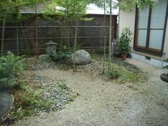 一茶庵中庭